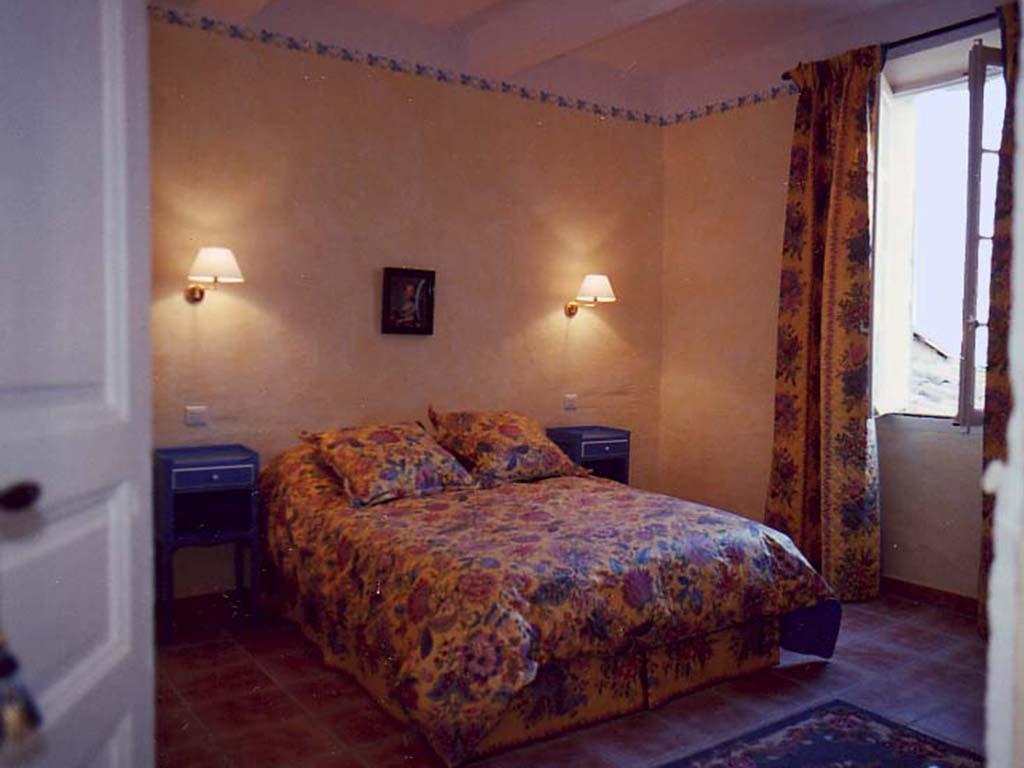 back-bedroom-copy-2.jpg