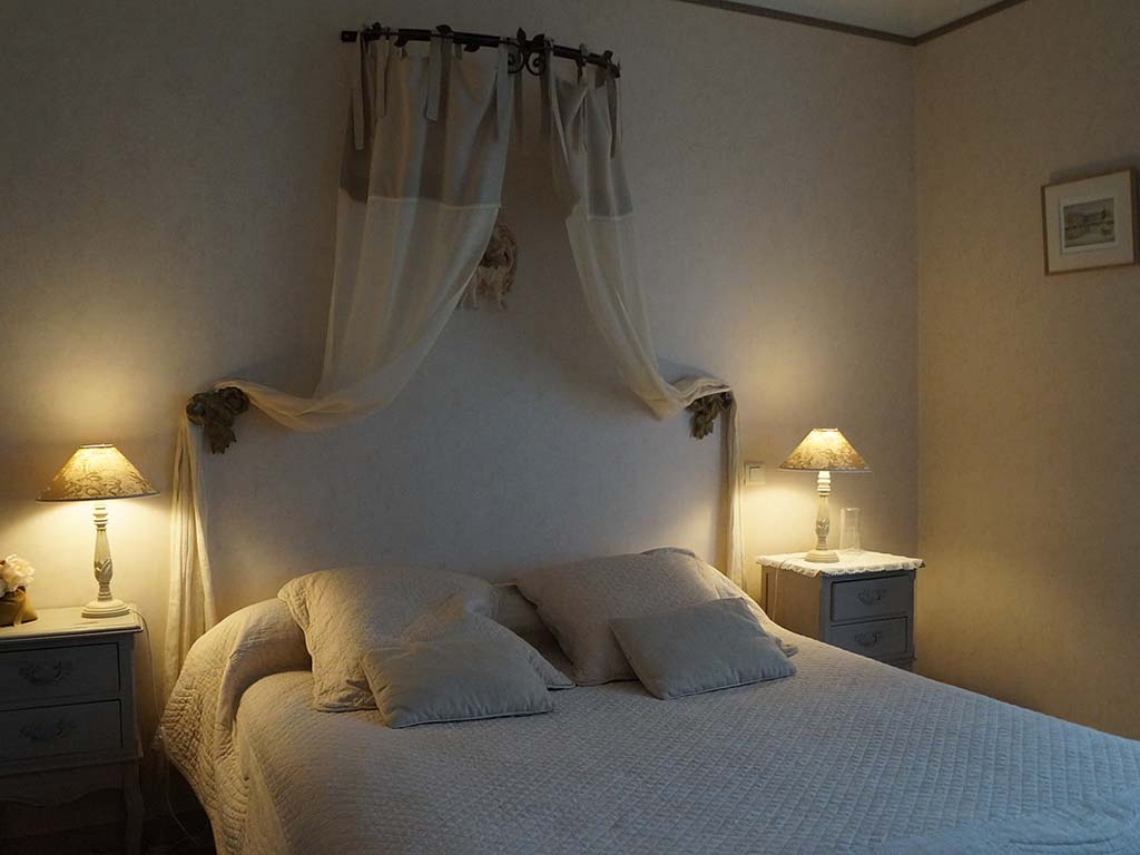 bed23.jpg