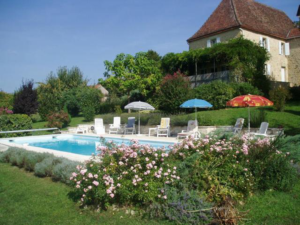 exterior-with-pool1.jpg