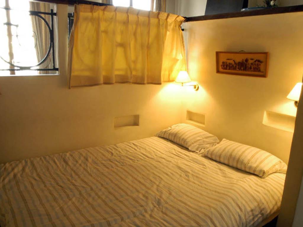 grands-augustins-bed.jpg