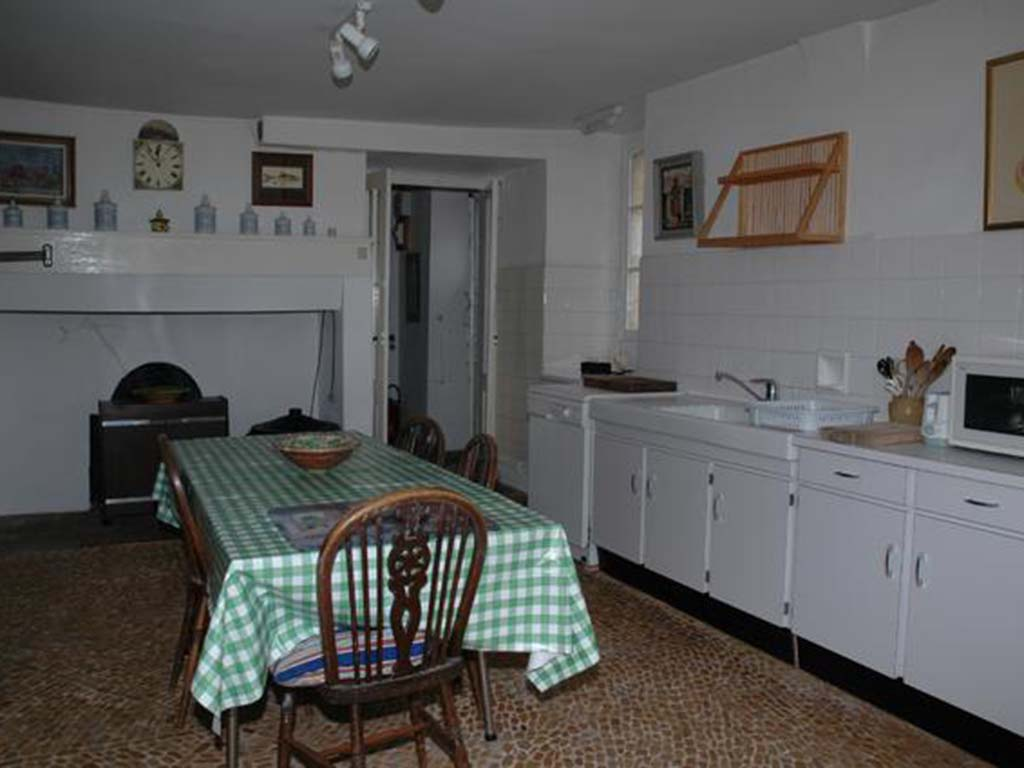 kitchen12.jpg
