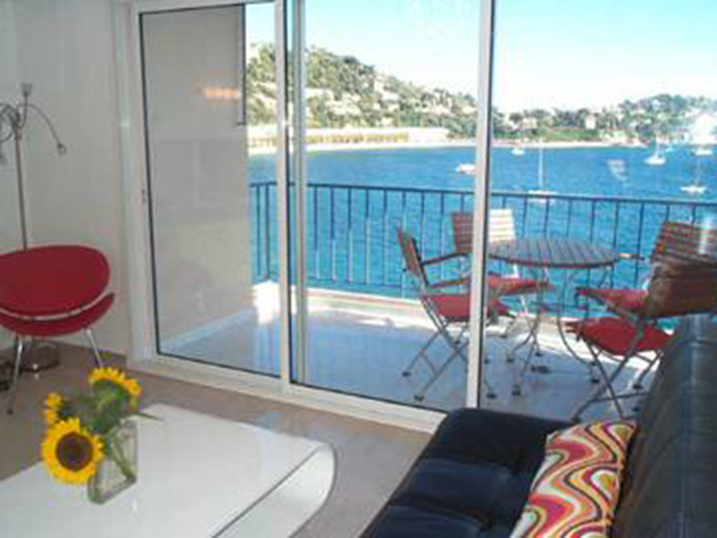 lounge-21.jpg