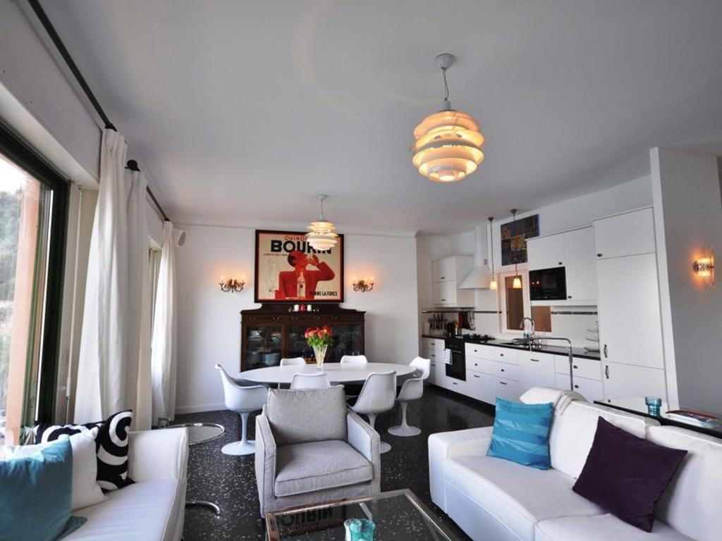 lounge-kitchen3.jpg