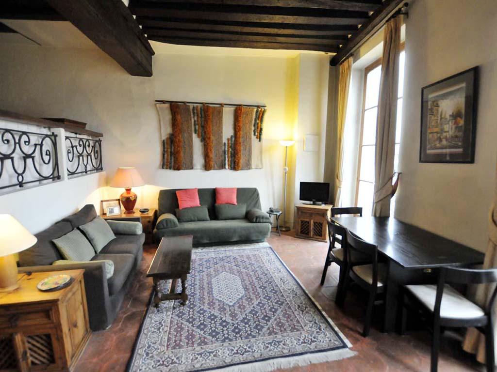 lounge-new-3.jpg